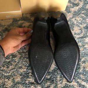 Michael Kors Shoes - NWT Micheal Kors Pumps